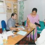 Dr. Vivian (Orthopäde) ist mit drei seiner Kollegen jeden Sonntag im Mount Rosary Hospital