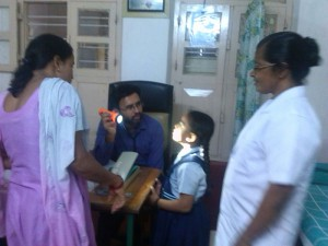 Dr. Anoop bei der Arbeit im Mount Rosary Hospital